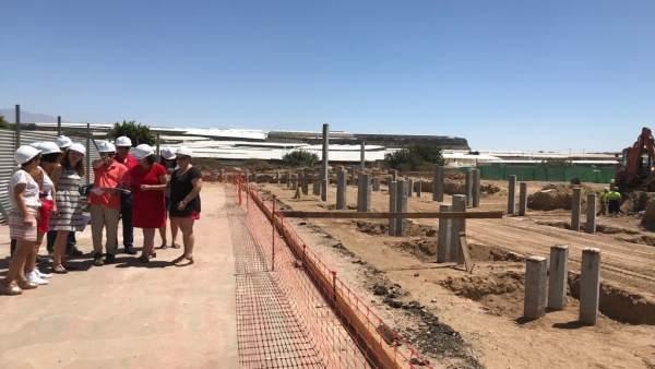 Solar donde se han iniciado las obras del centro educativo