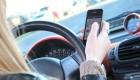 La DGT pide no enviar Whatsapps al volante