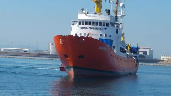 Llegada del Aquarius al puerto de Valencia