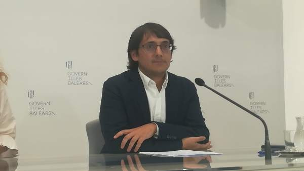 Iago Neguruela hablando de las Convocatoria del SOIB Dual