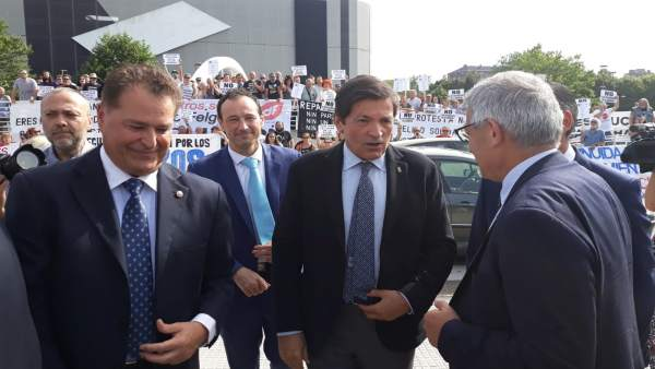 JAVIER FERNÁNDEZ, PRESIDENTE DE ASTURIAS, A SU LLEGADA A LA FIDMA