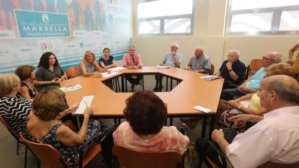 La alcaldesa Ángeles Muñoz, reunida con el Consejo de Mayores