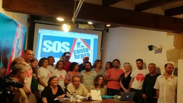 Plataforma SOS Costa Brava en la presentación del manifiesto