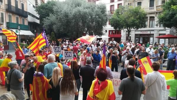 Manifestación en Palma por la unidad de España y para pedir elecciones