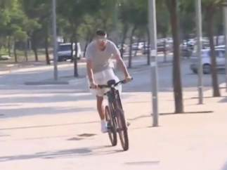 Gerard Piqué en bicicleta eléctrica
