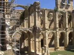 Unas vacaciones diferentes: las de voluntarios y vecinos que rehabilitan el Monasterio de Rioseco