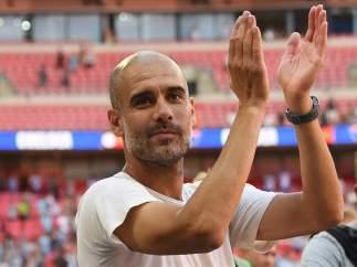 Guardiola celebra la Community Shield 2018 que el Manchester City le ganó al Chelsea
