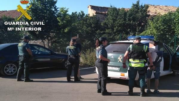 Detenidos dos jóvenes por robar en el interior de vehículos