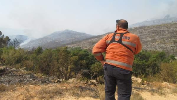 """Puig elogia la professionalitat dels efectius de Llutxent, un incendi """"molt difícil"""""""