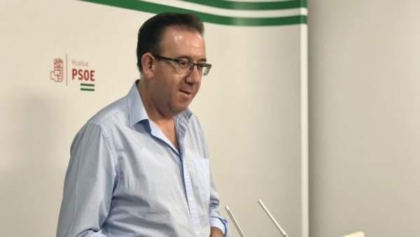 El senador socialista por Huelva Manuel Guerra.