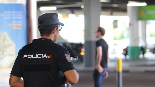 Recursos de Policía Nacional, agente, agentes, policía, policías.