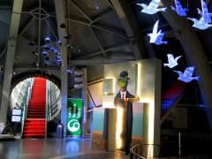 El Atomium celebra sus 60 años con una exposición en 3D de Magritte