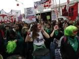 Mujeres se manifiestan en Buenos Aires a favor de la despenalización del abort