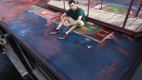 Mural pintado por alumno UPV en el Puente Bizkaia.