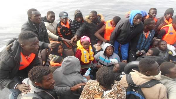 Inmigrantes rescatados el martes