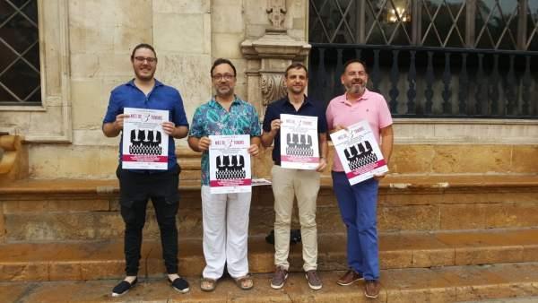 Presentación del concierto 'Més de 3 tenors', con Llorenç Carrió