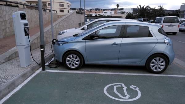 Punto recarga vehículo eléctrico