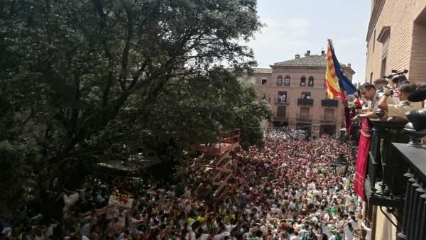 Inicio de las Fiestas de San Lorenzo y el balcón del Ayuntamiento de Huesca