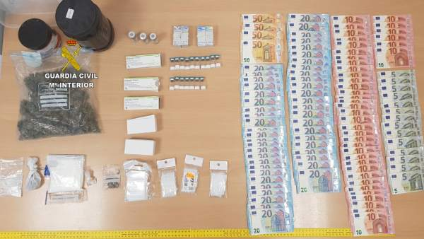 Drogas y dinero en efectivo incautados por la Guardia Civil en Magaluf