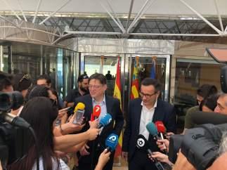 Puig y Conesa atienden a los medios tras reunirse en Alicante