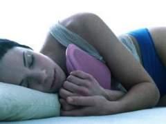 ¿Cómo afecta al sueño posponer la alarma cada cinco minutos?