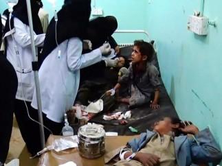 Decenas de muertos y heridos por bombardeo contra un bus con niños en Yemen.