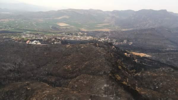 L'incendi de Llutxent arrasa 3.270,6 hectàrees i afecta a set municipis