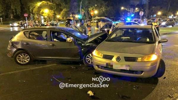 Accidente de tráfico en la avenida Alcalde Luis Uruñuela de Sevilla