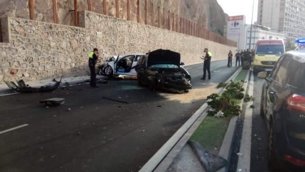 Situación en la que han quedado los coches en dirección Alicante