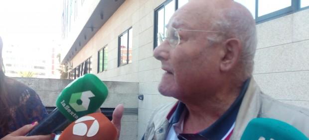 Manuel Charlín a su salida del juzgado de Vigo