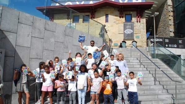 Niños saharauis en el Aquarium.