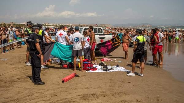 Cadáver en la playa de la Malvarrosa