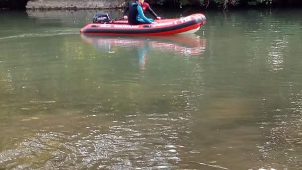 Búsqueda de una persona desaparecida en el río Arga