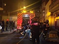 Un hombre se quema a lo bonzo tras discutir con su pareja y provoca un incendio en su casa en Villaverde