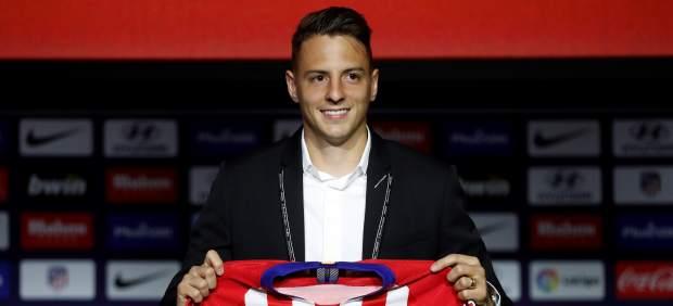 El Atlético presenta en el Wanda a Santiago Arias y Nikola Kalinic