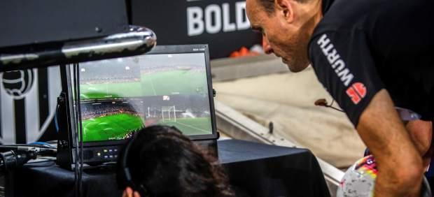 Curso acelerado de VAR para los aficionados antes de los partidos
