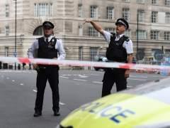 Tres personas resultan heridas en un tiroteo cerca de una estación de metro de Londres
