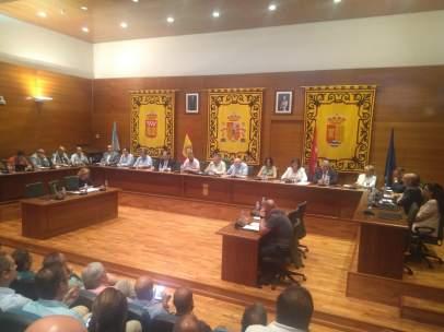 Pleno del Ayuntamiento de Arroyomolinos que ha elegido al nuevo alcalde
