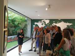 Mercedes Fernández en su visita a la FIDMA.