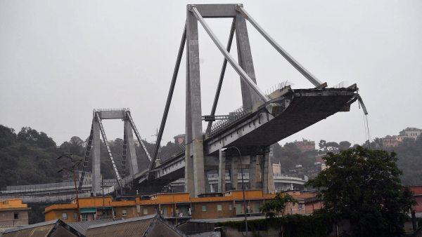 Así se ha derrumbado el puente en Génova