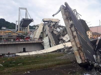Imagen tras el derrumbe de un viaducto en Génova