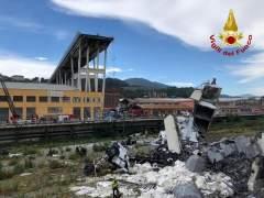 Al menos 26 muertos por el derrumbe de un puente en Génova