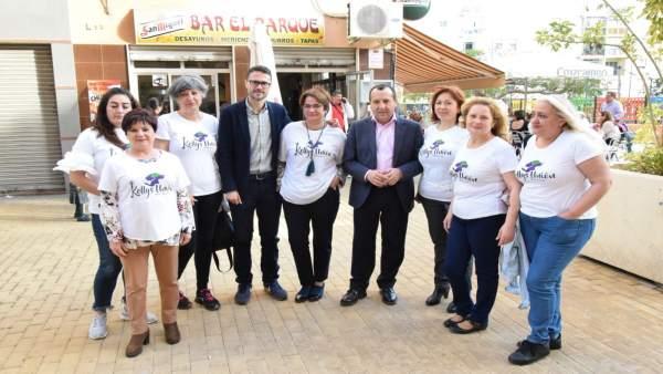 Ruiz Espejo junto a integrantes de Las Kellys Unión Málaga
