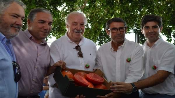 Bendodo y Del Bosque, con los tomates premiados