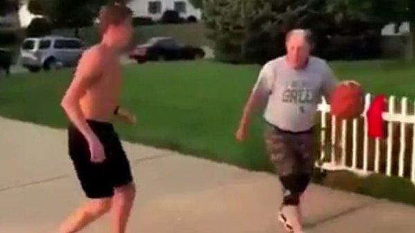 Un abuelo engaña a un joven de una manera increíble