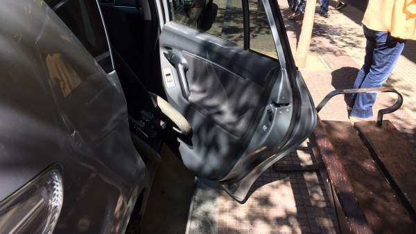 Discapacitado con problemas de salir del vehículo por situar banco en su zona