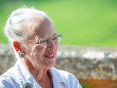 Margarita de Dinamarca complace el deseo de su esposo de no ser enterrados juntos