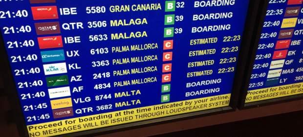 Los aeropuertos de Palma e Ibiza espacian los aterrizajes debido al mal tiempo