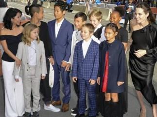 Angelina Jolie y sus hijos