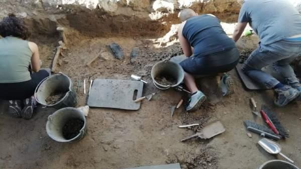 Trabajos de exhumación en Boadilla.